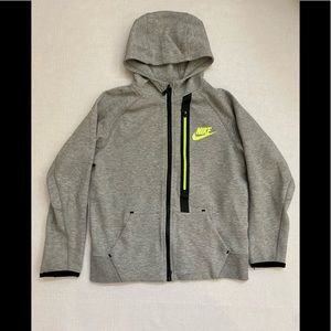 Nike boys zipper hoodie medium new without tags